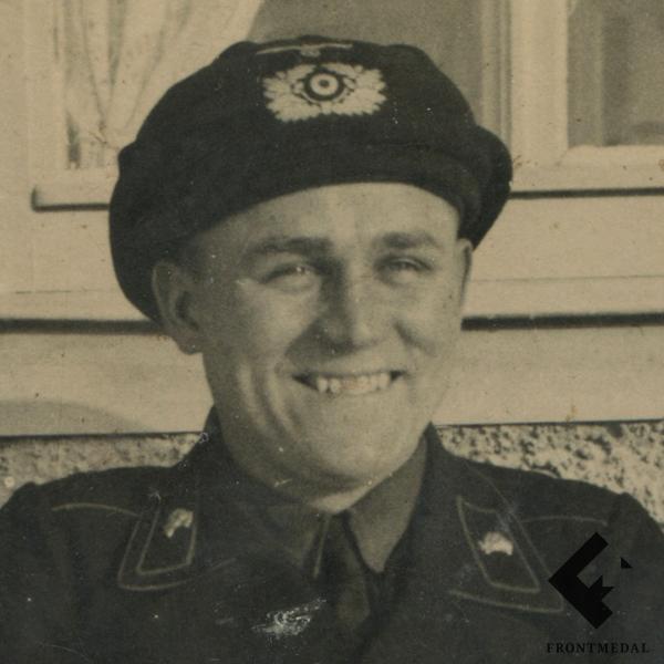 Германский танкист - жизнь и смерть в двух фотографиях