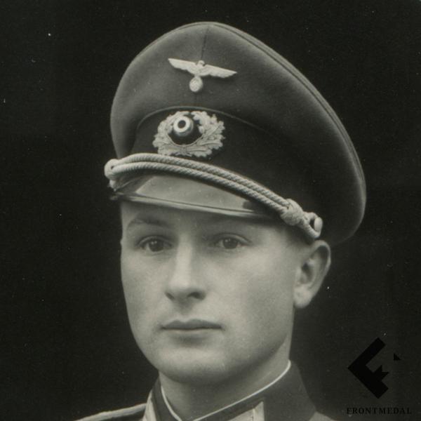 Фотокарточки офицеров Вермахта в униформе картинка