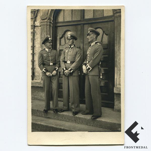 Унтер-офицеры пехоты Вермахта в парадной униформе