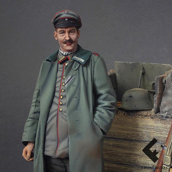 Прусский офицер в окопах на передовой (Бельгия, 1916)