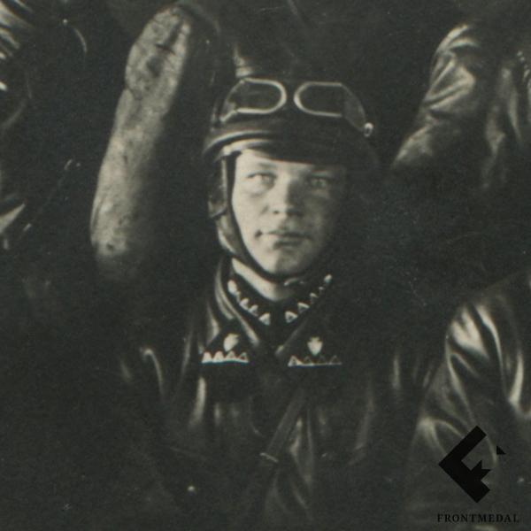 Групповое фото экипажа механизированных войск РККА