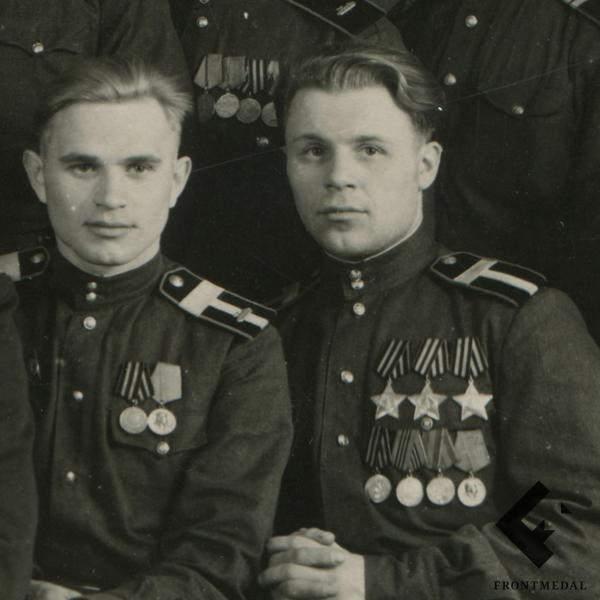 Групповое фото танкистов - кавалеров ордена Славы