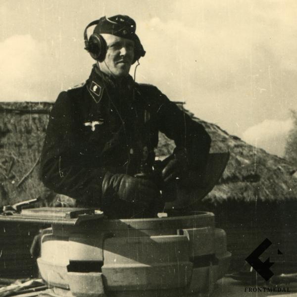 Наушники из снаряжения члена танкового экипажа