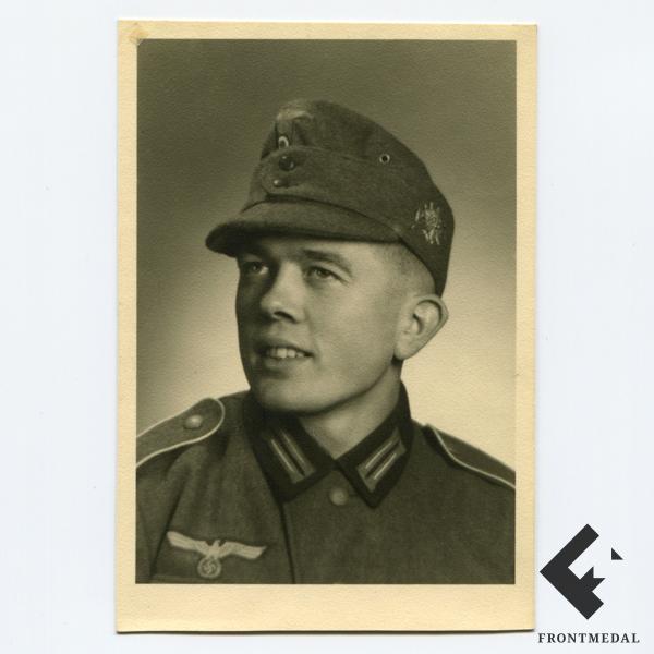 Фото егеря Вермахта в горном кепи картинка