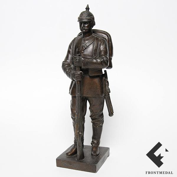 """Бронзовая фигура """"Прусский солдат 129-го пехотного полка"""""""