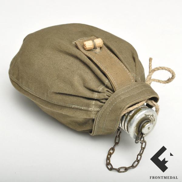 Фляга с чехлом для носки на поясе из снаряжения РККА