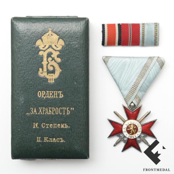 """Крест """"За храбрость"""" обр. 1941 г. в футляре с полевой планкой"""